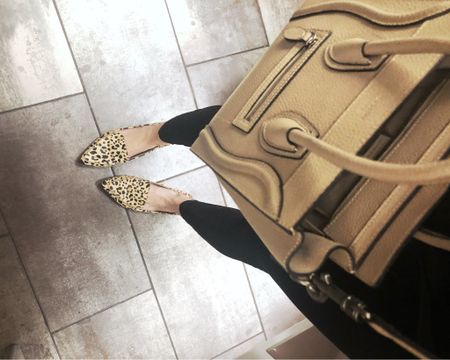 Leopard flats + a simple leather bag. Any go-to look for casual workdays and weekend shopping. http://liketk.it/2AGo8 #liketkit @liketoknow.it #LTKitbag #LTKshoecrush #LTKunder100
