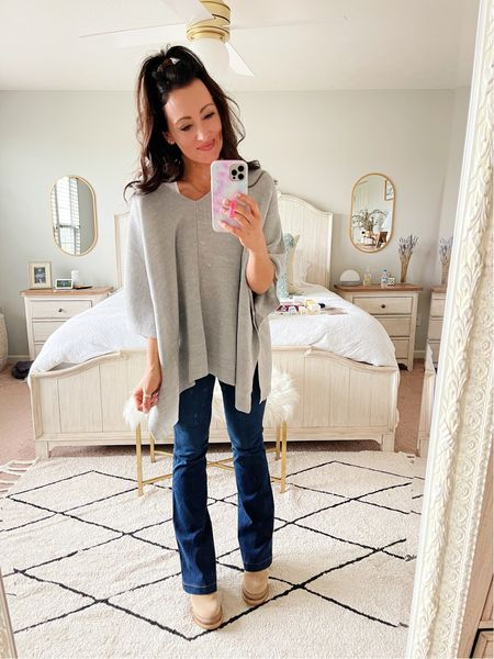 Cutest $25 Target poncho for fall! One size & so comfy!