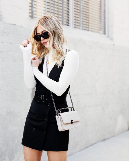 Is it Spring yet? Protesting in my blazer/vest dress situation from @revolve that is surprisingly versatile AF 💁🏼♀️ full look is linked w/ @liketoknow.it here > http://liketk.it/2zQGG #liketkit @revolve #revolveme