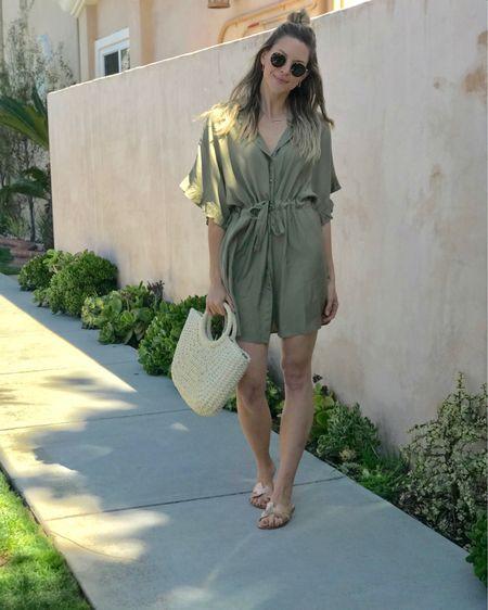 The perfect spring travel essentials! T-shirt dress, straw bag and sandals 🙌🏻 #ltkunder50 #vacation #travel @liketoknow.it #liketkit http://liketk.it/2AMav