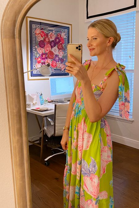 Such a fun smocked dress! Wearing an XS