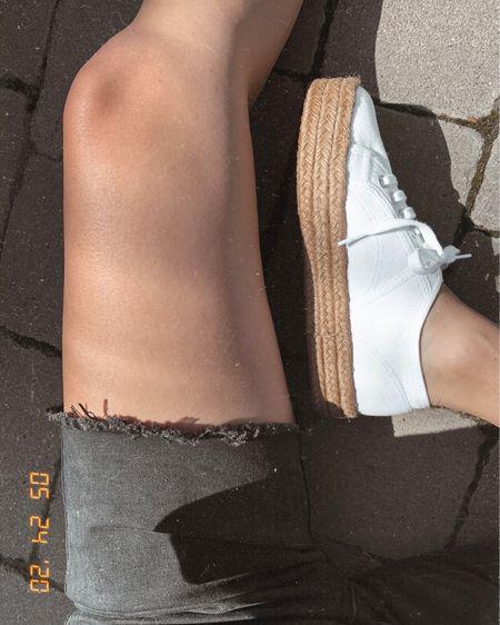 Breaking out the white summer shoes BECAUSE WE CAN! 🤍  http://liketk.it/2PvZV #liketkit @liketoknow.it #whiteshoes #memorialday #LTKunder100 #LTKshoecrush #LTKspring #memorialdaywhites