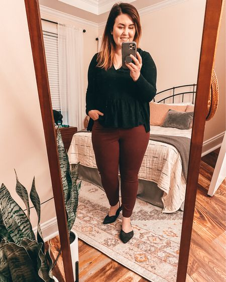 I love this color combo for fall/winter. 🖤 ♥️   #LTKfit #LTKSeasonal