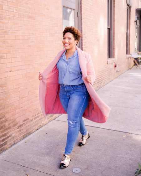 Happy Saturday! Pink Coat vibes in New Orleans! This cozy coat is $89.99 at Loft! Check out the 72 hour sale! 72% off some good stuff! Shop your screenshot of this pic with the @liketoknow.it shopping app. #liketkit http://liketk.it/353JD #loft #loftimist #coat #denim