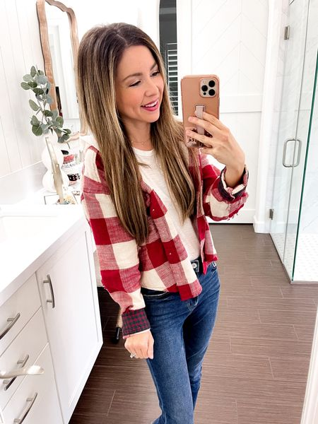 Crop plaid top wearing size small || pair with high waisted bottoms