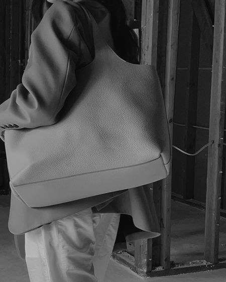 The best foundations of an enduring wardrobe are clever, beautifully-designed pieces that offer ease and functionality. I've been carrying the new @cuyana System Tote for a while now and truly appreciate how all the smart add-ons adapt to my daily needs. The silhouette is simple yet such a statement. I know I'll be reaching for this time and again. Discover your own system at the link in bio. What features are catching your eye? @cuyana #MyCuyana #FewerBetter   #LTKitbag