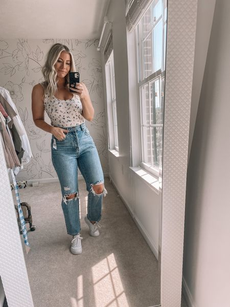 These mom jeans might be replacing all my other jeans! They fit so well and are less than $60! Summer outfits, beach outfits   #LTKstyletip #LTKunder100 #LTKsalealert