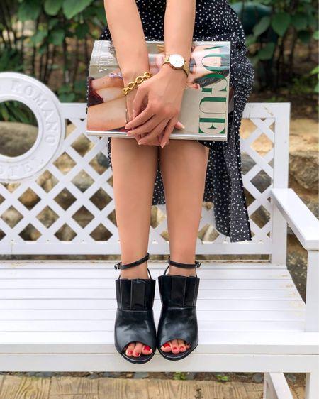 Chic Casual Outfit For A Lovely Day http://liketk.it/3iW12 @liketoknow.it #liketkit #LTKbeauty #LTKstyletip #LTKfit