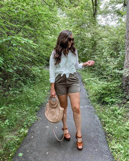 👜 It's a Thursday Mood kinda day! Still swooning over my { #gifted } @threadandsupply shorts and tunic. Love elevating these basics with some platform sandals and straw bag, cuz I love that little something extra 😉 But can easily be more casual with some fashion sneakers and backpack purse.👠  * * Want to share your fave Affordable Fashion Finds and get a good B00ST? Follow the hosts below and send us a DM to add you: @mommylexiloves  @raisingtwinboys  * * #Aff0rdAb13fashi1onF1ndSw3eKn1Nte3N * * * * You can shop the rest of my looks one of these easy ways!  1️⃣ Click the link in my Profile 2️⃣ DM me for any links 💕 3️⃣ Screenshot a look for the @liketoknow.it app 4️⃣ Follow me @stephstyle101 on the FREE @liketoknow.it app to get all the shopping details of this outfit and all my other outfits. http://liketk.it/3ikRv #liketkit #LTKsalealert #LTKstyletip #LTKcurves