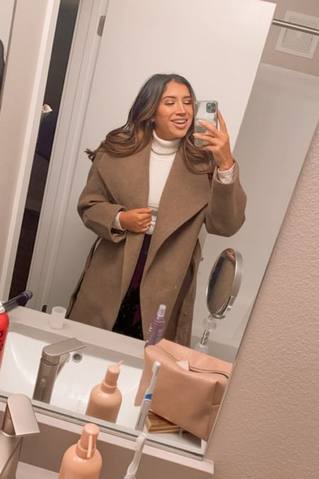 Obsessed with the brown/beige of this coat. 🤎  #LTKSeasonal