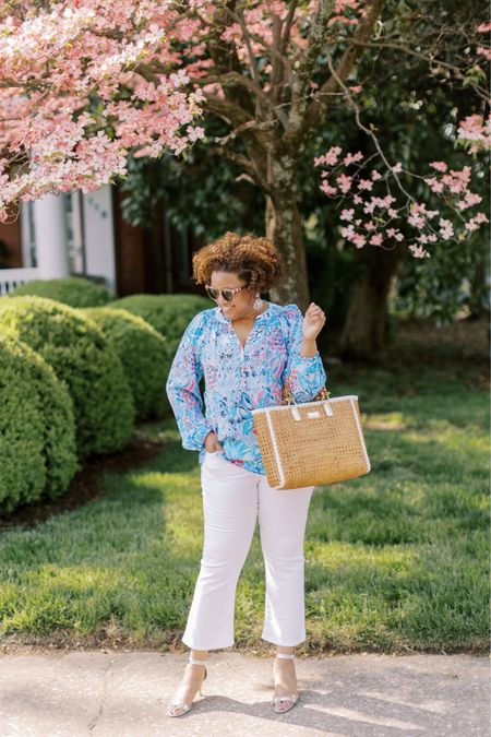 I'm chatting about fun floral blouses for summer on my blog, reallyrynetta.com, today!  Check out the post!  This gorgeous blouse definitely tops the list! Fit is TTS! 💙💙🌸 http://liketk.it/3g3sR #liketkit @liketoknow.it You can instantly shop my looks by following me on the LIKEtoKNOW.it shopping app