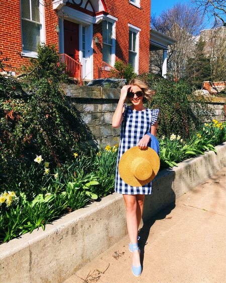 In a sunshine state of mind ☀️ This gingham dress is too cute for Spring! It runs true to size! http://liketk.it/3bEoj #liketkit @liketoknow.it