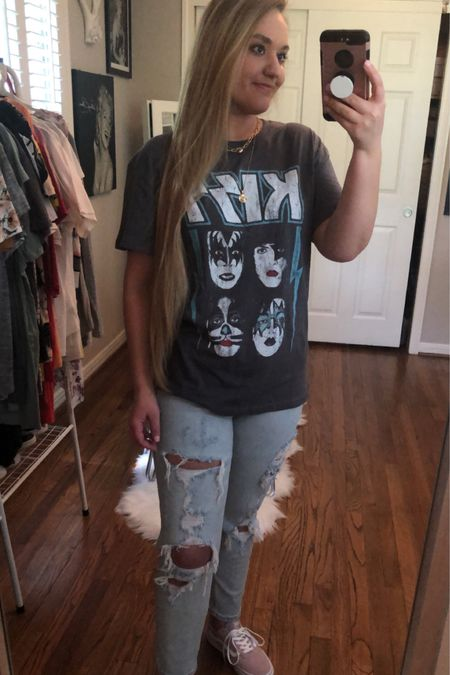 Kiss graphic tee with light wash mom jeans paired with pink vans and layered gold necklace    http://liketk.it/2QUTn @liketoknow.it #liketkit #LTKshoecrush #LTKunder50 #LTKtravel