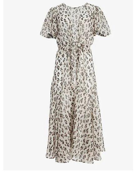 Coverup, kimono, leopard print, express http://liketk.it/3i26G #liketkit @liketoknow.it #LTKunder100 #LTKstyletip