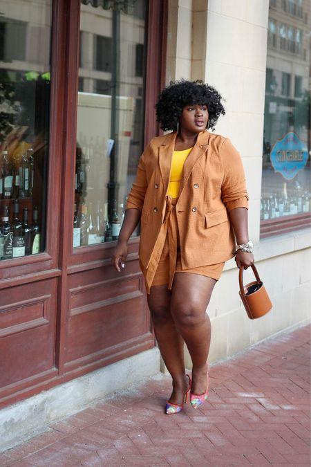 #plussize short suit   #LTKstyletip #LTKcurves #LTKSeasonal