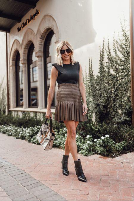 Faux leather skirt ✔️ cutest fall outfit   #LTKstyletip #LTKunder100 #LTKSeasonal