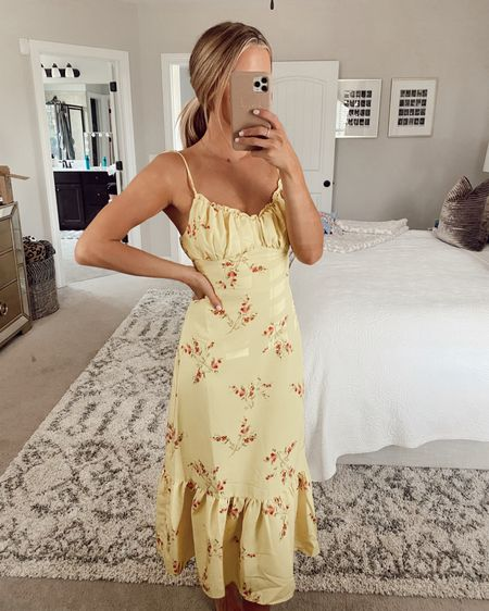Revolve try on haul with floral tops, crop tops, jeans, wedding guest dresses, maxi dresses, Midi dresses, mini dresses, floral dresses, one shoulder dresses, cute outfits for spring and summer, wedding dresses, and more all linked here! Xsmall in everything!! @liketoknow.it #liketkit @SheaLeighMills #LTKtravel #LTKstyletip #LTKunder100 http://liketk.it/3gLiK