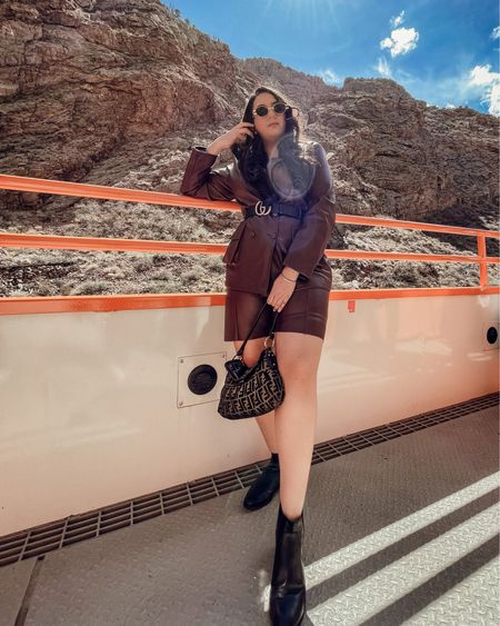Colorado outfit inspo    You can instantly shop all of my looks by following me on the LIKEtoKNOW.it shopping app   http://liketk.it/3bwgn #liketkit @liketoknow.it #LTKunder100 #LTKtravel #LTKstyletip