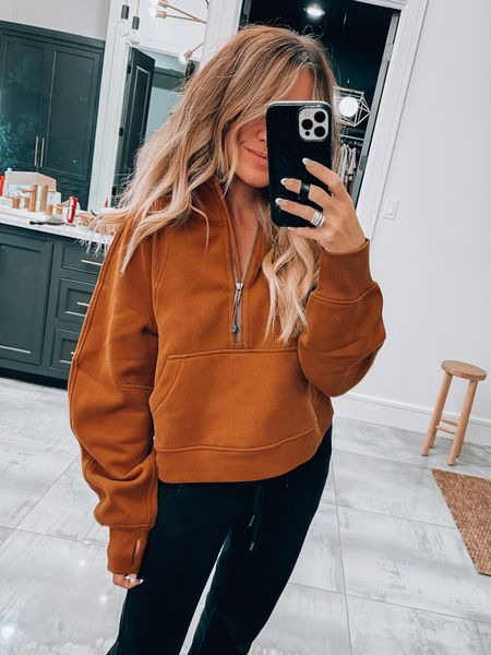Size Xs/S lululemon hoodie