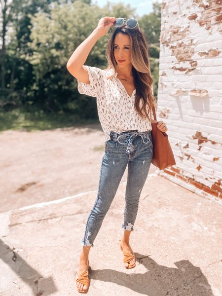 Looking for our U-Haul pods like 🧐 If you saw my stories yesterday, you'll get it. Looks like we'll wait another week to pack up our stuff and move it out and never ever ever use U-haul again.   Another one of my favorite outfits from @shopbohme right here! This short sleeve button down is so cute and flattering and this pair of denim from my previous try on….still obsessed.  Code Andreakucinski15    http://liketk.it/3kduM #liketkit @liketoknow.it #LTKunder100 #LTKstyletip #LTKshoecrush