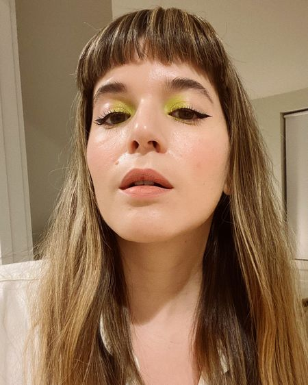 Love to experiment with makeup! Tried this Neón shadow and liner combo I saw on Instagram with the Huda Neon Palettes and Benefit's Roller Liquid Liner 💚 http://liketk.it/2LfBj #liketkit @liketoknow.it