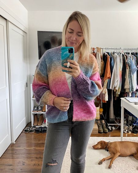 Trying on some new fall denim and this 🌈 cardigan that I love 💕