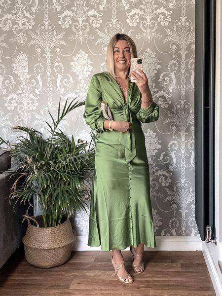Spring has sprung with this fabulous ASOS Dress  #LTKSeasonal #LTKeurope