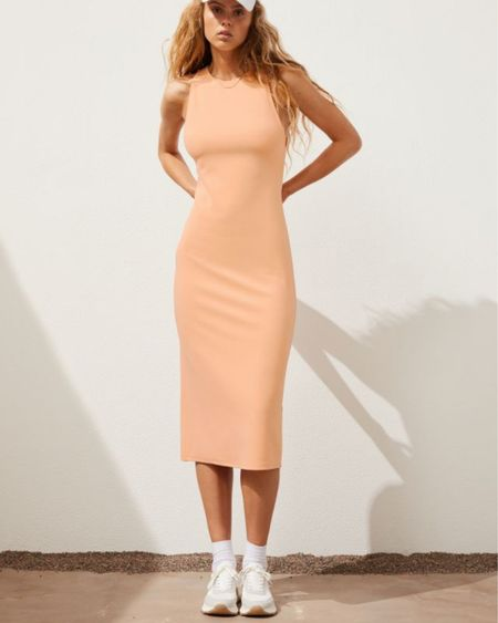 http://liketk.it/3jEdf #liketkit @liketoknow.it #LTKunder50 #LTKsalealert #LTKworkwear #summerdress #summerstyle #dress #backlessdress #midi #maxi #h&m