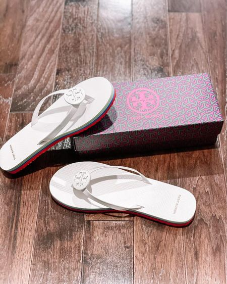 I'm obsessed with these white Tory Burch flip-flops! They are so cute and will be perfect for those summer days by the pool or out to eat for a nice dinner! Click here to shop these Tory Burch flip-flops now! http://liketk.it/39NtP #liketkit @liketoknow.it #LTKshoecrush #LTKstyletip #StayHomeWithLTK Follow me on the LIKEtoKNOW.it shopping app to get the product details for this look and others
