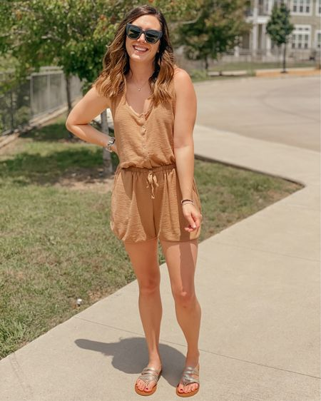 """Happy weekend 🥰 T-minus 9 days till the first move (there's two this year 🥴) so I'm in full """"chuck anything and everything"""" mode. Do you like to hold onto things or keep it minimal?  This romper is my best friend this summer! It's super light, goes with everything, and of course y'all know it has pockets 😉 and always under $50! http://liketk.it/3fzo9 @liketoknow.it #liketkit #LTKsalealert #LTKunder50 #LTKtravel"""