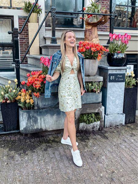 My favorite Dutch fashion trend - the white sneaker. EU links first.  http://liketk.it/3eejQ #liketkit @liketoknow.it @liketoknow.it.europe