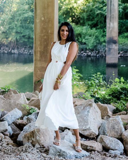 The perfect white Maxi dress! #whitedress #maxidress #mididress http://liketk.it/3jU71 #liketkit @liketoknow.it #LTKstyletip #LTKtravel #LTKunder100