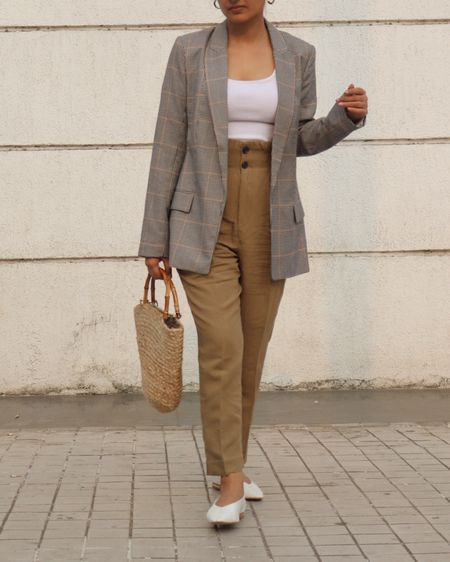 Oversized blazer outfit with flats @liketoknow.it #liketkit http://liketk.it/2JjSh #LTKworkwear #LTKshoecrush #LTKitbag