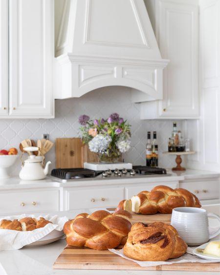 Kitchen decor, kitchen ideas, white kitchen. #liketkit @liketoknow.it http://liketk.it/3dY3z