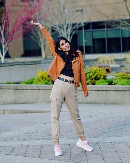 Fall outfit   http://liketk.it/3ogg2 @liketoknow.it #liketkit #LTKGiftGuide #LTKSale #LTKHoliday #LTKSeasonal #LTKstyletip #LTKshoecrush #LTKsalealert #LTKunder50 #LTKtravel #LTKunder100 #suedejacket #joggers #womensoutfit