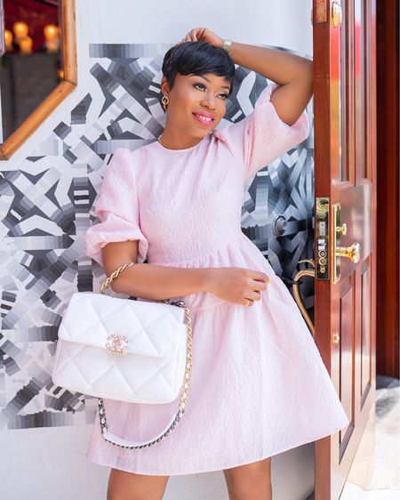 Summer pink dress and white bag Memorial Day outfit    http://liketk.it/3fEgZ #liketkit @liketoknow.it #LTKitbag #LTKunder100