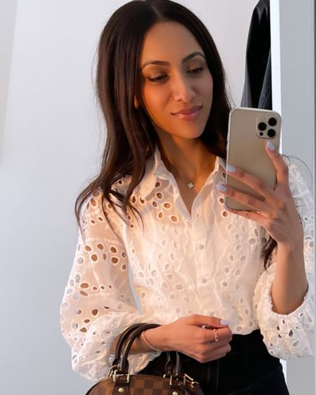 Love this summer blouse 👌🏽 the perfect zoom top!  http://liketk.it/3iRBE #liketkit @liketoknow.it #LTKunder50 #LTKstyletip