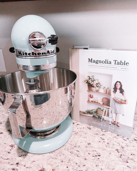 http://liketk.it/32RpS #liketkit @liketoknow.it opened my Christmas present early this year! So excited to use my mixer