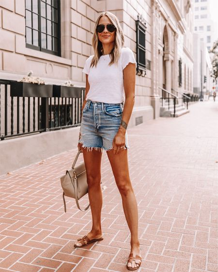 Fashion Jackson wearing denim shorts, jean shorts, cutoff shorts, AGOLDE shorts, sandals, sunglasses, summer fashion, white T-shirt http://liketk.it/2QF7r #liketkit @liketoknow.it #LTKstyletip #LTKspring #LTKshoecrush #LTKunder100 #LTKunder50