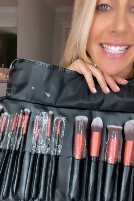 Best makep brushes by the talented @chantemakeup 💋 http://liketk.it/3gRpI #liketkit @liketoknow.it #LTKbeauty