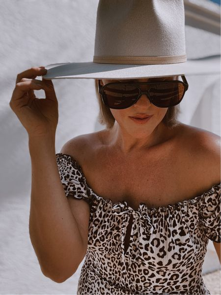 You can never have too many hats from #sandiegohatcompany! #hat #widebrimhat #woolhat #ontrend #fallfashion #sunglasses #accessories   #LTKunder100