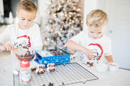 we totally hacked Christmas cookies this year • buying chocolate covered Oreos was a genius move & took away so much holiday mess stress • thank you @walmart for making it a one stop shop for all things holiday baking http://liketk.it/33G4M #liketkit @liketoknow.it #LTKunder50 #StayHomeWithLTK #LTKfamily