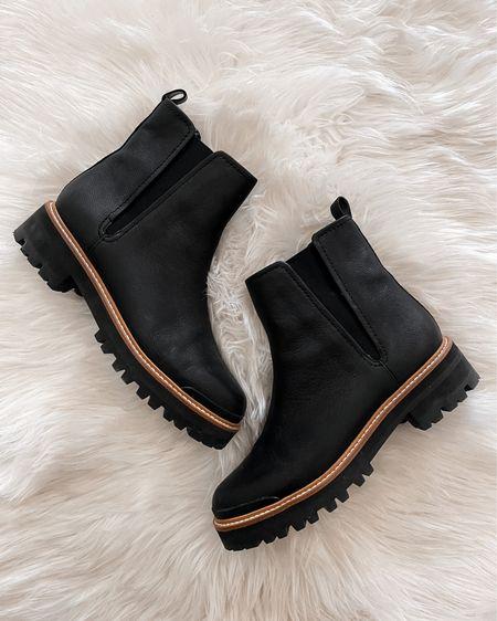 Black boots for fall #lugsole #blackboots #dallboots   #LTKstyletip #LTKsalealert #LTKshoecrush