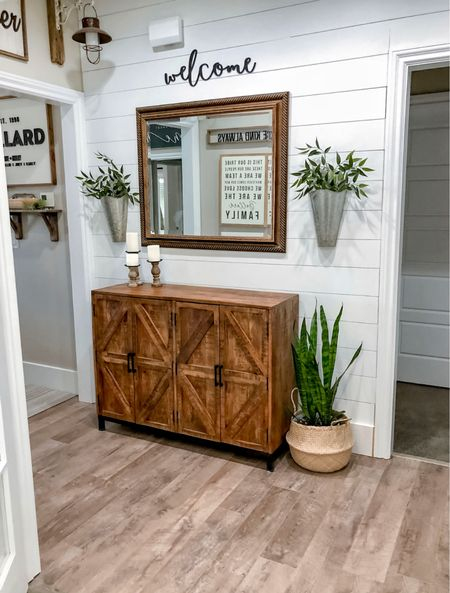 Farmhouse Style Entryway on a Budget    #LTKstyletip #LTKhome #LTKsalealert