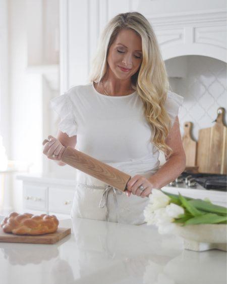 Kitchen ideas, good hardware, white kitchen, kitchen decor, kitchen design. #liketkit @liketoknow.it @liketoknow.it.home http://liketk.it/3d0aP