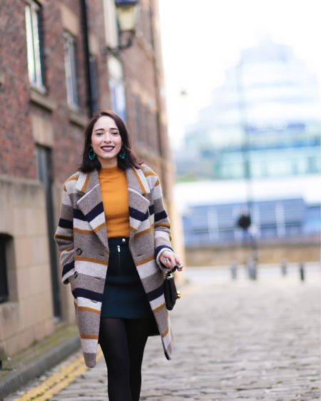 NEW ON www.preppyfashionist.com still wearing this coat over here, is ideal for winter and spring love The pop of yellow in it. It instanly brights my day 🤗  http://liketk.it/2zyy7 #liketkit @liketoknow.it