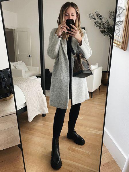Grey coat s / black leggings s / black boots 8 (go down 1/2 size) 🖤