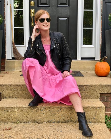 💗 In October we wear pink 💗 1 out 8 women will develop breast cancer in her lifetime. Don't forget to get your annual screening or mammogram! Take care of yourself 🎀 Follow me on the LIKEtoKNOW.it shopping app to get the product details for this look! @liketoknow.it #liketkit http://liketk.it/2YNun