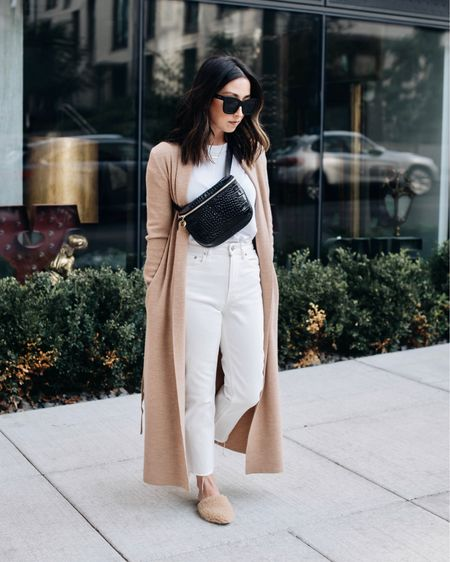 White on white but make it work for fall 🍁🍂   Cardigan is @aritzia (xxs), everything else is linked in the @liketoknow.it app. 20% off #jennikayne with code CRYSTALIN20 http://liketk.it/2Yab9 #liketkit