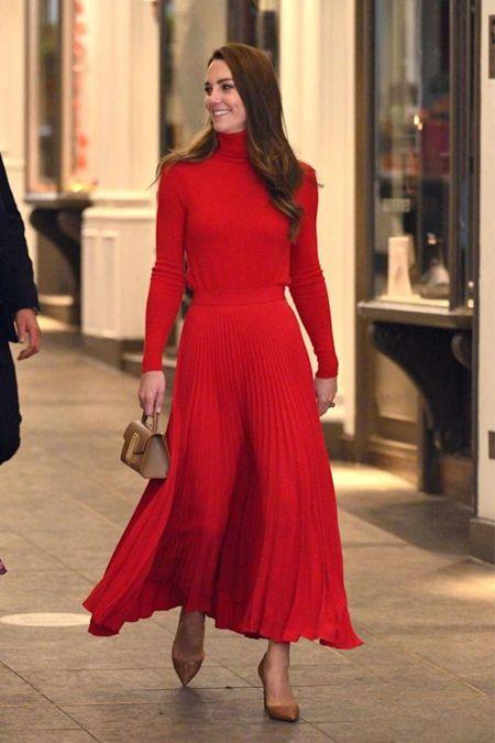 THE Skirt for fall 2021???  A pleated midi skirt!   #LTKstyletip #LTKworkwear #LTKSeasonal